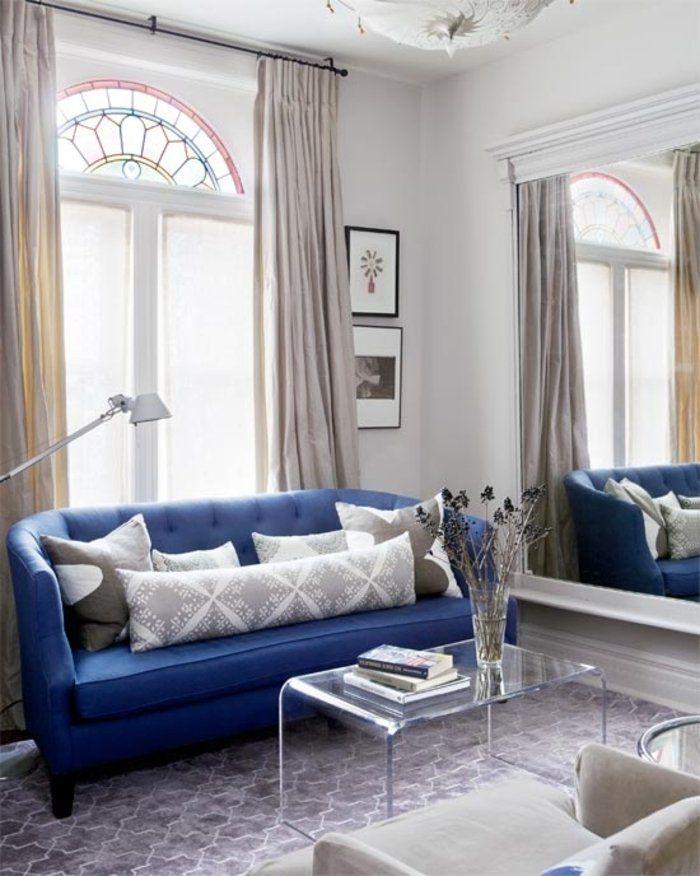 Гостиная дизайн с синим диваном