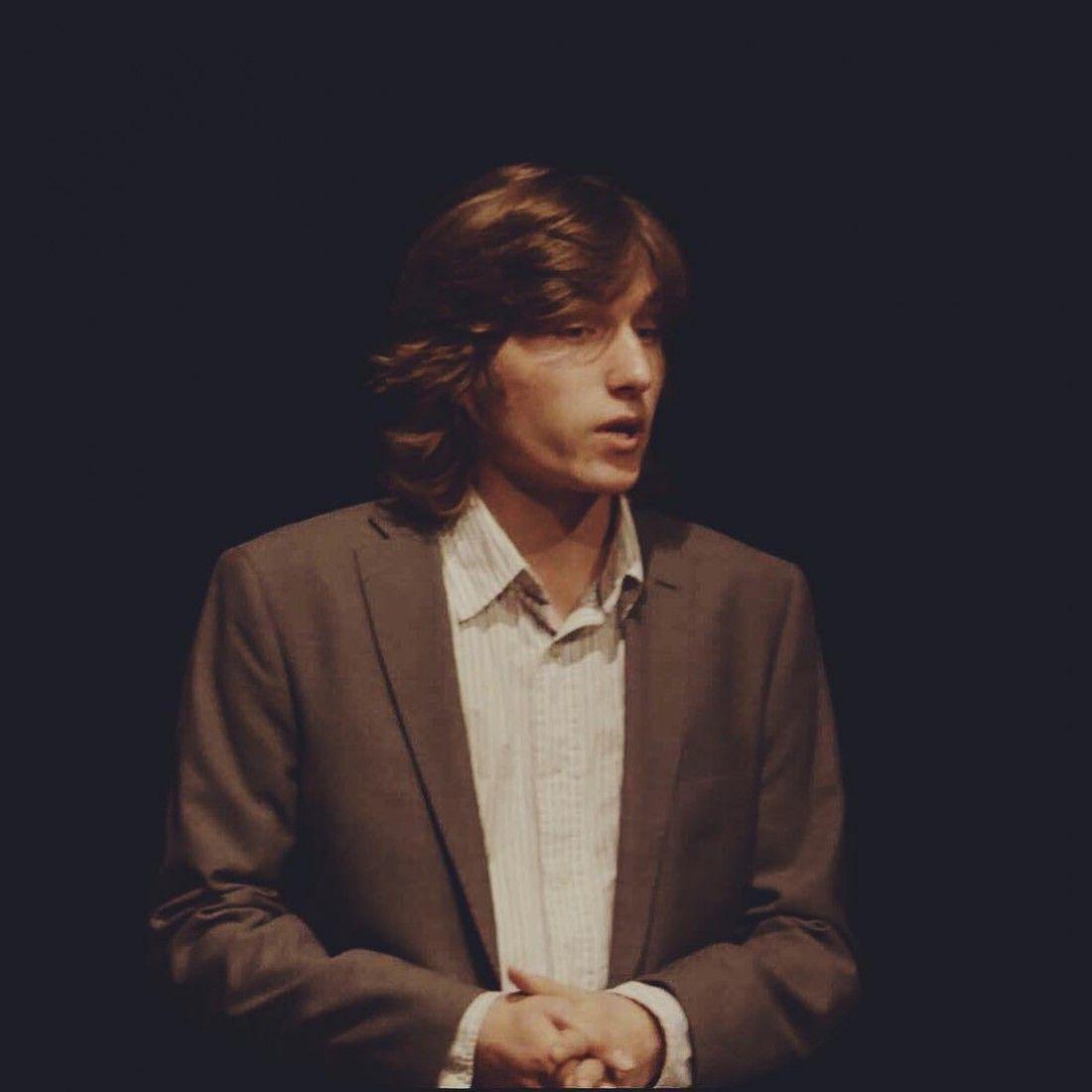 Борис Бадоев