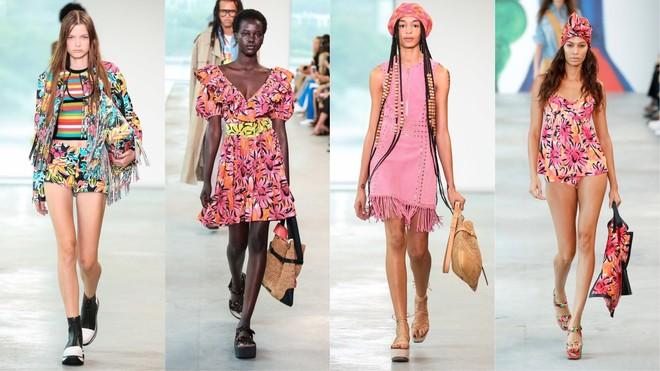a1f73b998ae954 Серед традиційно строгих образів зустрічаються контрастують хуліганські  фатиновые футболки, латексні сукні та сумки з найбільш м'якої шкіри.